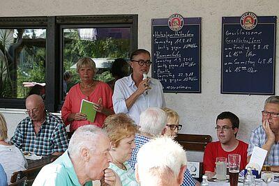 Ortsvorsteherin Alexandra Ries lobte die Arbeit der Bürgergemeinschaft. Fotos: pm