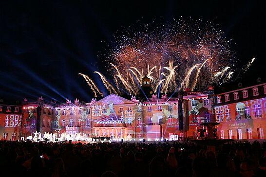 """20 KA300: Eröffnungsshow - Die """"Tochter"""" Karlsruhe eröffnet mit einer gigantischen Show den Festivalsommer zu ihrem 300. Geburtstag. (165 Fotos)"""