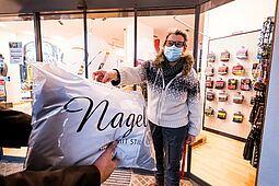 Abholangebote der Geschäfte sind ab einer Inzidenz von 100 nicht mehr möglich: Ab Montag dürfen dann nur noch Lieferdienste eingesetzt werden. Foto: cg