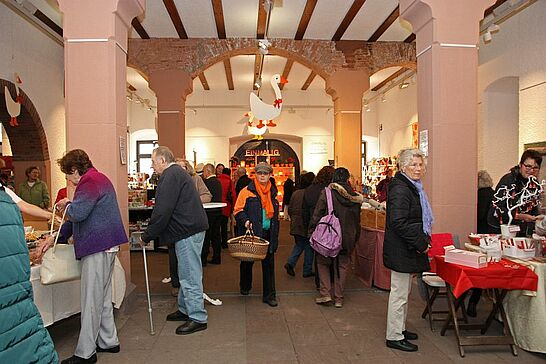 11 Durlacher Martinsmarkt - Der vorweihnachtliche Durlacher Martinsmarkt im Rathausgewölbe lädt jedes Jahr im November in die historische Markgrafenstadt ein. (77 Fotos)