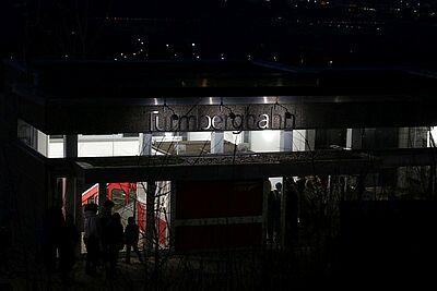 Die Turmbergbahn bringt an Silvester die Besucher sicher auf den Turmberg hinauf und wieder hinunter. Foto: cg