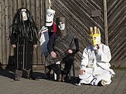 """Thema """"Maske"""" bei der aktuellen Ausstellung von AHOI studios. Foto: pm"""