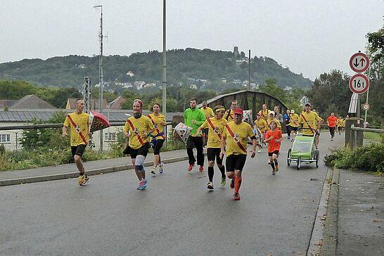 """13 """"durlach-gratuliert"""" – Geburtstagslauf von Schloss zu Schloss (II) - Rund 400 Läufer legten die 8 Kilometer zur Tochter zurück, um dieser zum Geburtstag zu gratulieren. (178 Fotos)"""