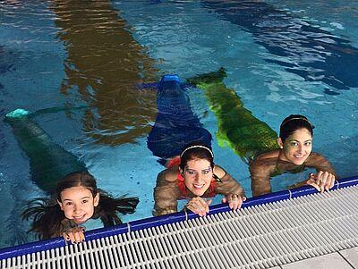 Am 21. Juni dürfen sich die Gäste im Turmbergbad auf einen besonderen Anblick freuen: Meerjungfrauen. Fotos: pm