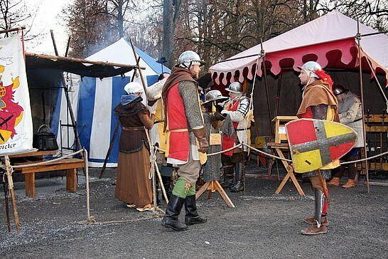 29 Impressionen vom Mittelalterlichen Weihnachtsmarkt - Der etwas andere und besonders familienfreundliche Weihnachtsmarkt feiert dieses Jahr sein 10. Jubiläum. (53 Fotos)