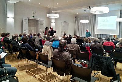 Diskussionabend über den zukünftigen Erweiterungsbau der Schloss-Schule. Foto: cg