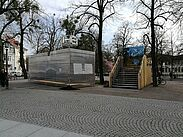 Inschrift Heimat auf dem Durlacher Schossplatz. Foto: om