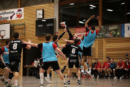 13 TSD Handball: Herren 1 – SG Odenheim/Unteröwisheim - In einem Handball-Krimi in der Landesliga Süd verloren die Herren 1 der Turnerschaft Durlach knapp mit 22:26. (77 Fotos)