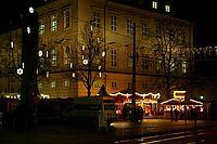 Weihnachtsstimmung in der Pfinztalstraße bei Nacht - zur Galerie