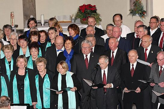 02 Adventskonzert der Durlacher Chöre - Das inzwischen auch über Durlachs Grenzen hinaus bekannte Konzert findet im zweijährigen Rhythmus immer am ersten Advent statt. (54 Fotos)