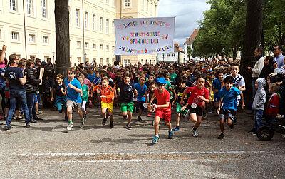 Start zum Sponsorenlauf der Schloss-Schule. Foto: pm