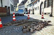 Eine Sanierung des Pflasters im Durlacher Altstadtring wird zunehmend dringlicher. Fotos: cg