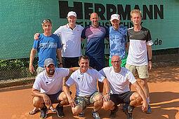 Herren 40 des TC Durlach im Aufstiegs-Olymp. Foto: pm