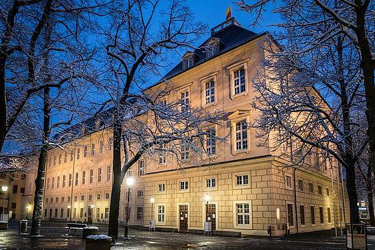 """08 Schnee-Spaziergang durch die Durlacher Altstadt - Spaziergang zur """"Blauen Stunde"""" durch die Durlacher Altstadt, nachdem es tagsüber geschneit hatte. (33 Fotos)"""