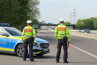 Wie hier an der A5 im Bereich der Anschlussstelle Karlsruhe-Durlach wurden Fahrzeuge kontrolliert. Foto: Thomas Riedel