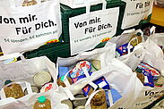 Hilfe, die ankommt: Für fünf Euro können CAP-Kunden Bedürftige direkt unterstützen. Foto: cg