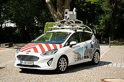 Mit diesen Fahrzeugen finden ab Anfang Mai Kamera-Fahrten in Karlsruhe statt. Foto: Cyclomedia