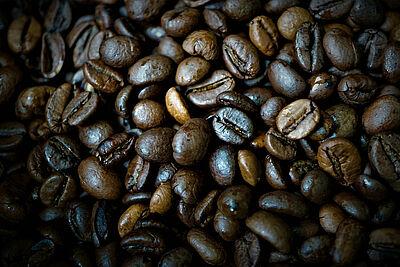 Geröstete Kaffeebohnen. Foto: Mylene2401 / Pixabay