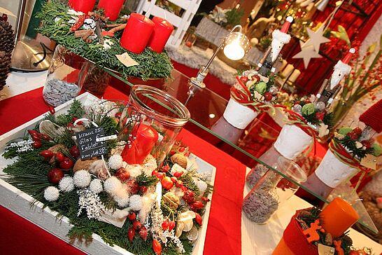 28 Weihnachtsmarkt im Rathaus (Eröffnung) - Traditionell eröffnen der Weihnachtsmarkt in Rathaus und der Mittelalterliche Weihnachtsmarkt am Freitagabend. (49 Fotos)