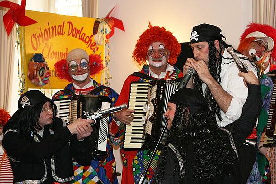 """Januar - Im Januar feierte die """"Original Dorlach Clownkapelle"""" ihr 33jähriges Jubiläum im Festsaal der Karlsburg. (1 Galerie)"""