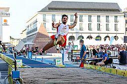 """04.09.2021   """"Karlsruhe springt"""": Weitsprung der Männer. Foto: cg"""