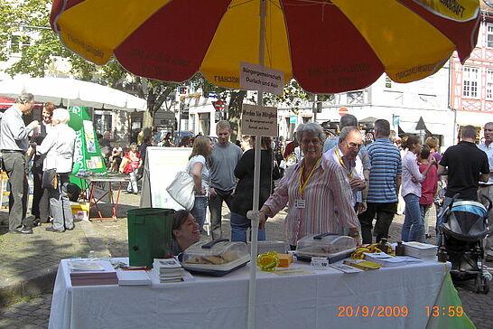 20 Die BÜGDA auf dem Markt der Möglichkeiten - Die Bürgergemeinschaft Durlach und Aue stellte sich auf dem Durlacher Marktplatz vor. (9 Fotos)