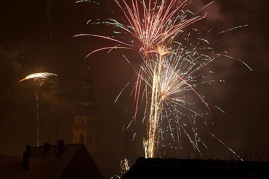 31 Silvesterfeuerwerk - Mit lautem Getöse begrüßten die Durlacher das neue Jahr 2011. (19 Fotos)