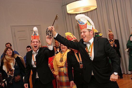 """11 Rathaussturm des OKDF - Am 11.11. war es wieder soweit: Die Durlacher Fastnachter übernahmen unter der Führung des OKDF """"endlich"""" die Regentschaft im Rathaus. (65 Fotos)"""
