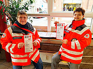Fleißige Helfer informieren. Foto: pm