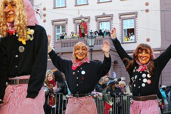 26 Durlacher Fastnachtsumzug - Als Besuchermagnet zieht der Durlacher Fastnachtsumzug jedes Jahr am Fastnachtssonntag durch die Durlacher und Auer Straßen. (227 Fotos)
