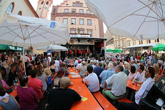 Juli - Juli = Feiern und 2015 noch mehr: Altstadtfest und Klassik am Turm bei Königswetter und OB Mentrup feiert mit einem Bürgerfest die neue Turmbergterasse (5 Galerien)
