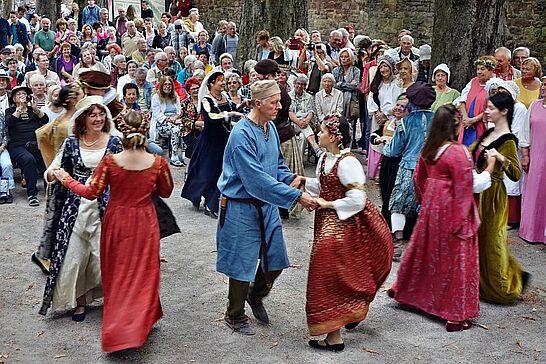17 451 Jahre Residenzverlegung von Pforzheim nach Durlach - In diesem Jahr wurde das Jubiläum der Residenzverlegung vor 451 Jahren durch den Historischen Verein nachgeholt. (81 Fotos)