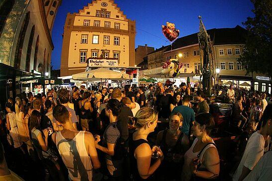 03 Durlacher Altstadtfest – Freitagstour - Das 39. Durlacher Altstadtfest wurde wurde am Freitag eröffnet, danach ging es auf Tour durch die Altstadt. (170 Fotos)