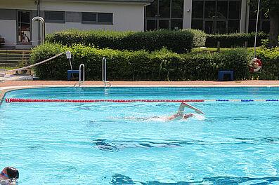 Sonnenschein am Wochenende für die Badebesucher. Foto: pm