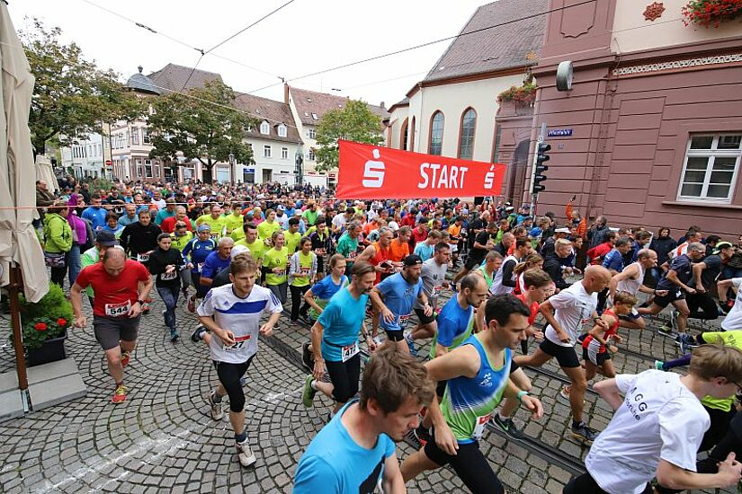 2019 startete der Durlacher Turmberglauf zuletzt. Seitdem musste die beliebte Laufveranstaltung der Turnerschaft coronabedingt abgesagt werden: 2020 und nun auch 2021. Foto: cg