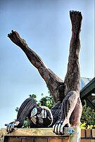 Skulptur vor der Weiherhalle 1