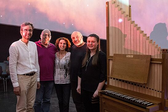 30.06.2018 | PLANETARIUM Durlach – Mit der Orgel durchs All - Beim großen Finale waren zum ersten Mal seit über 80 Jahren wieder echte Orgelklänge in der großen Halle der Orgelfabrik zu hören. (25 Fotos/1 Video)