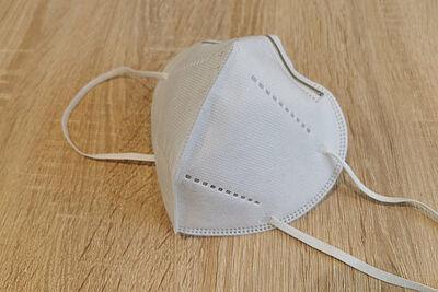 Neben FFP2-Masken sind auch vergleichbare Masken vom Typ KN95 und N95 zulässig. Foto: om