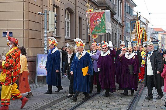 November - Die Narren und Sankt Martin zogen durch Durlach, das OKDF wurde 4x11 Jahre jung und Ende November eröffneten die Weihnachtsmärkte. (5 Galerien)