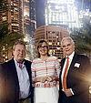 (v.l.) Unternehmensberater Gerhard W. Kessler, Staatssekretärin Katrin Schütz und Orthopäde Dr. Peter Stehling in Dubai. Foto: pm