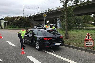 Gemeinsame Fahrzeugkontrolle am Ostring. Foto: Bundespolizei