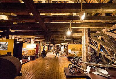 Der historische Dachspeicher der Karlsburg kann nur bei Führungen besichtigt werden. Foto: cg