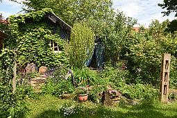 Verborgener Rückzugsort in der Durlacher Weiherstraße dient als Sommer-Atelier. Foto: Stadt Karlsruhe