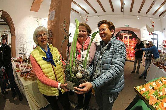 11 Durlacher Martinsmarkt - Der vorweihnachtliche Durlacher Martinsmarkt im Rathausgewölbe lädt bereits zum 25. Mal in die historische Markgrafenstadt ein. (69 Fotos)
