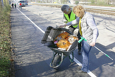 Die Straßenränder der Durlacher Allee wurden ebenfalls von Müll befreit. Foto: pm