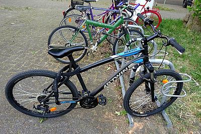 Eigentümer gesucht: das vom 42-Jährigen aufgebrochene Mountainbike der Marke BTWIN, Modell Rockrider 340. Foto: pm