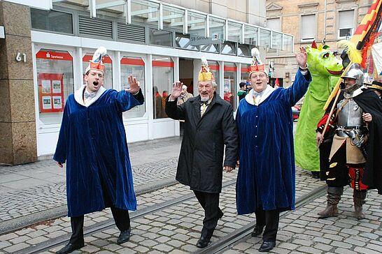 """11 Rathaussturm des OKDF - Am 11.11. war es wieder soweit: Die Durlacher Fastnachter übernahmen unter der Führung des OKDF """"endlich"""" die Regentschaft im Rathaus. (100 Fotos)"""
