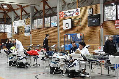 Blutspenden ist Hilfe, die schnell ankommt. Foto: pm